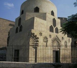 http://unusualhistoricals.blogspot.com/2012/03/women-who-ruled-shajar-al-durr-of-egypt.html