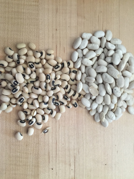 Black eyed peas Vs. White beans